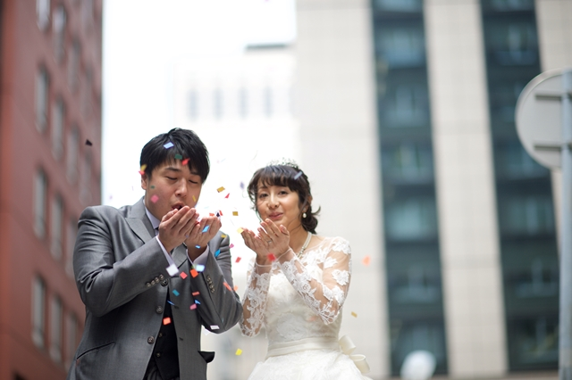 幸せ・広がる・結婚記念写真・スタジオ写真