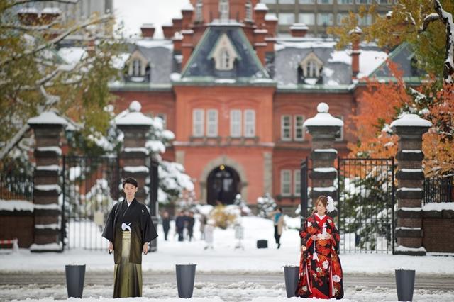 雪の道庁赤レンガの結婚写真