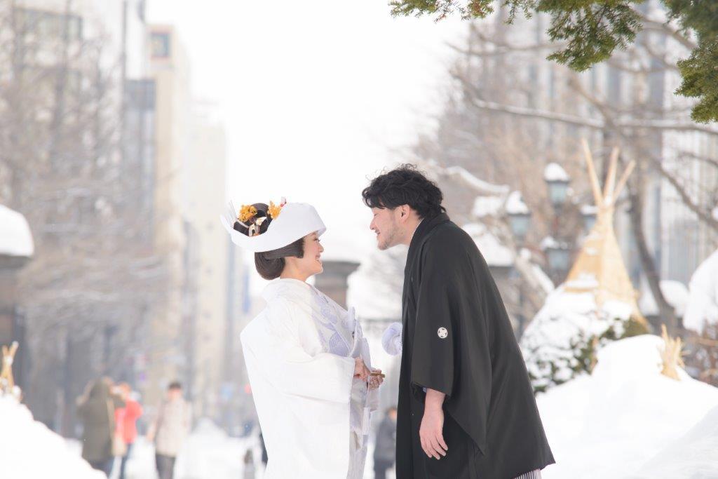 雪で撮影、JILL STUARTやアンテプリマ、NATURAL BEAUTY、ANTONIO RIVA(アントニオ・リーヴァ)、MIKA NINAGAWA、などのハイエンドのブランドドレスなど1000着のドレスから着たい1着がきっと見つかる