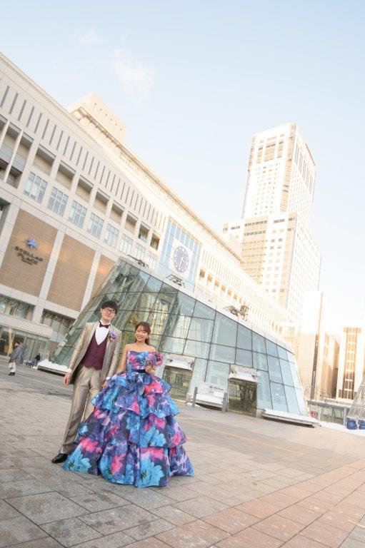 JILL STUARTやアンテプリマ、NATURAL BEAUTY、ANTONIO RIVA(アントニオ・リーヴァ)、MIKA NINAGAWAなどのハイエンドブランド、1000着の和装やドレスから妥協しないで選んで前撮りロケーションフォト