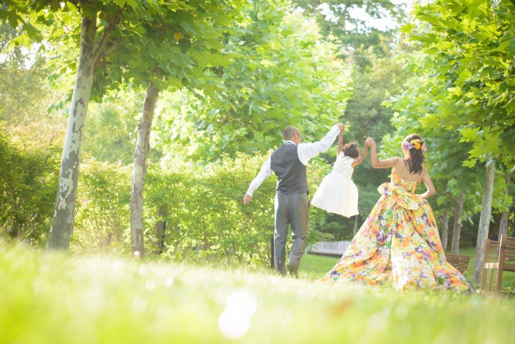 家族で共有する大切な時間、JILL STUARTやアンテプリマ、NATURAL BEAUTY、ANTONIO RIVA(アントニオ・リーヴァ)、MIKA NINAGAWAなどのハイエンドのブランドドレスなど1000着のドレスから着たい1着がきっと見つかる