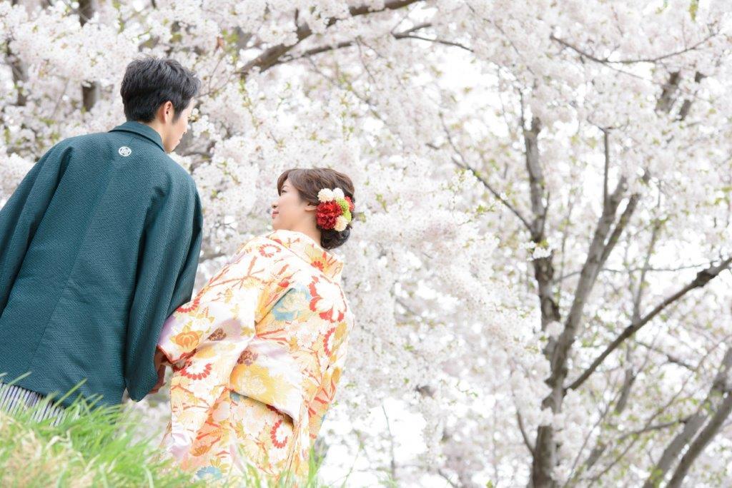 桜で前撮りJILL STUARTやアンテプリマ、NATURAL BEAUTY、ANTONIO RIVA(アントニオ・リーヴァ)、MIKA NINAGAWAなどのドレスや着物など1000着の衣装から選べます