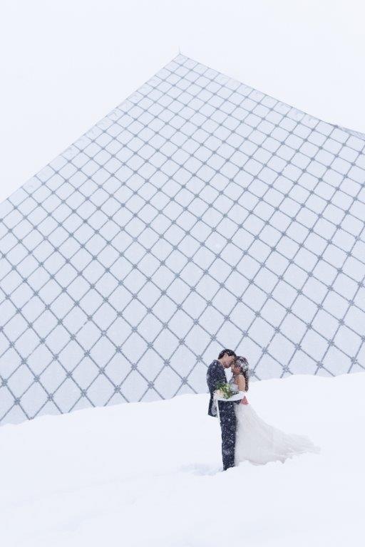ガラスのピラミッド前撮り、JILL STUARTやアンテプリマ、NATURAL BEAUTY、ANTONIO RIVA(アントニオ・リーヴァ)、MIKA NINAGAWAなどのハイエンドブランド、1000着の和装やドレスから妥協しないで選んで前撮りロケーションフォト